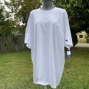 Champion White Shirt Size 2XL NWT